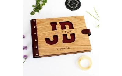 Dřevěné fotoalbum - monogram