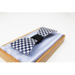 Kovový motýlek Futuris - šachovnice